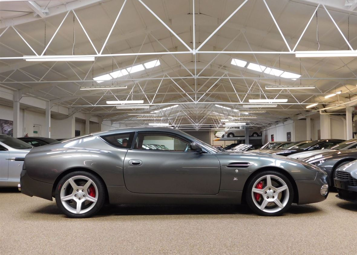 Aston Martin DB7 Zagato-5