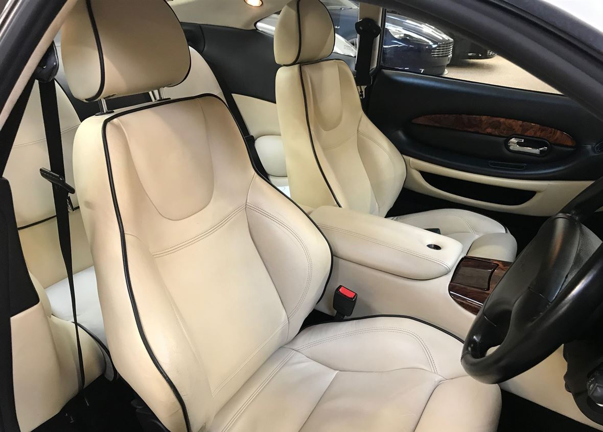 Aston Martin DB7 Vantage for sale