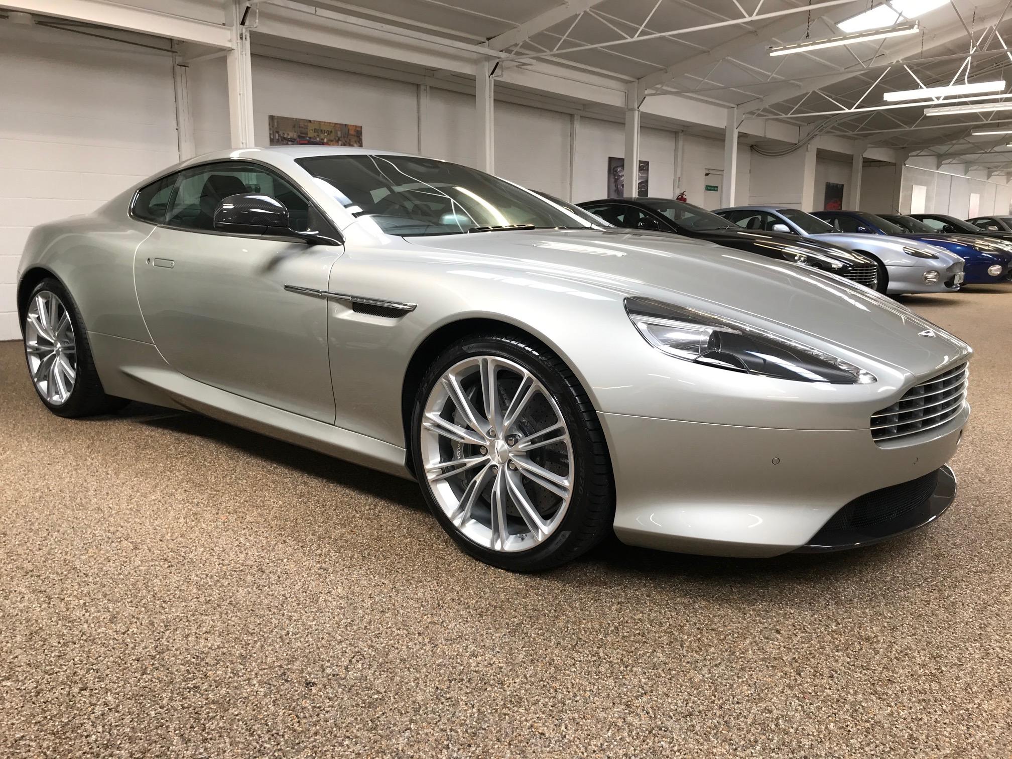 Aston Martin DB9 2012