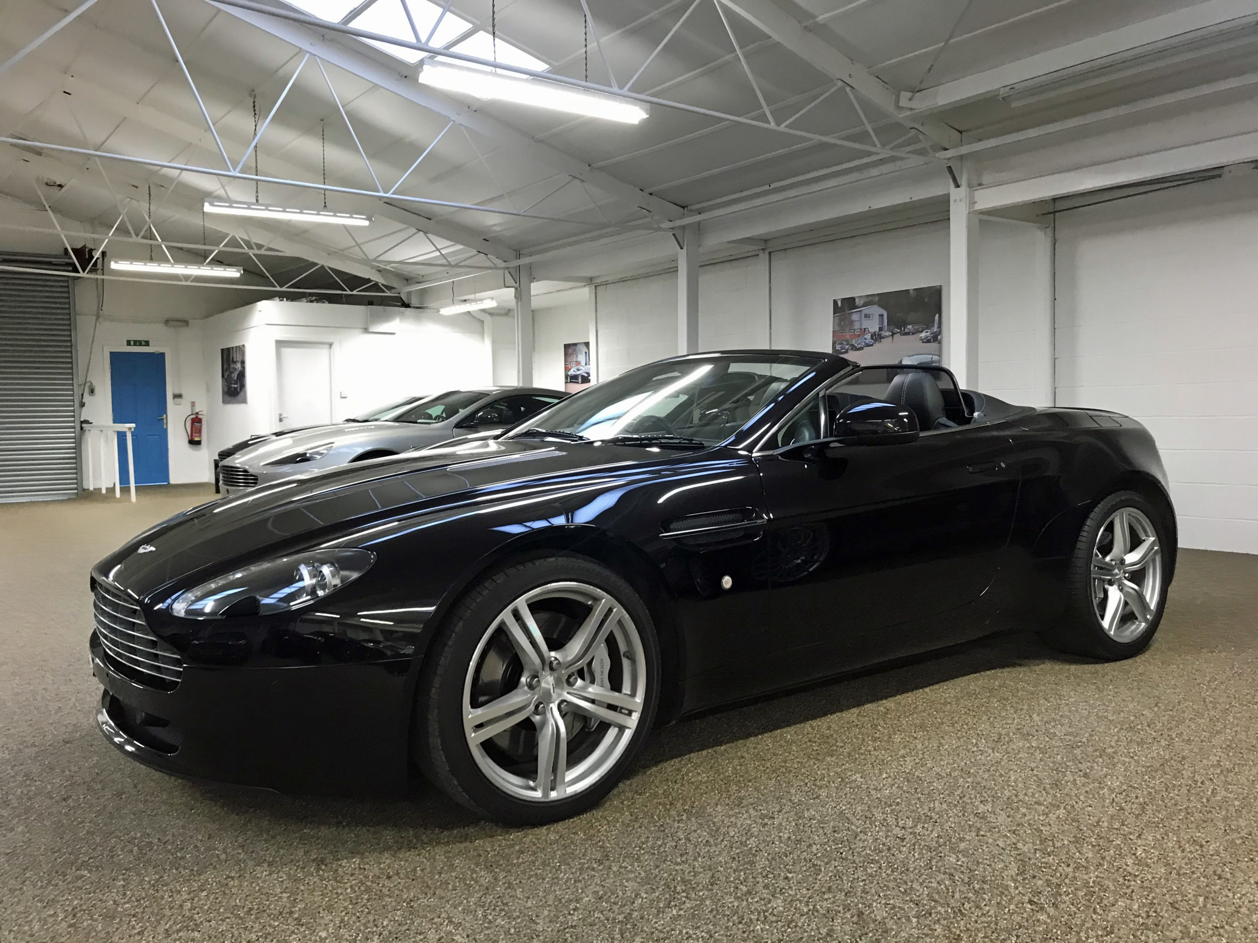 Used Aston Martin V8 Vantage 4.7 Roadster for sale